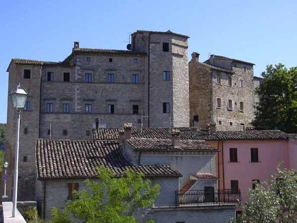 Belforte all'Isauro <br /> Castello